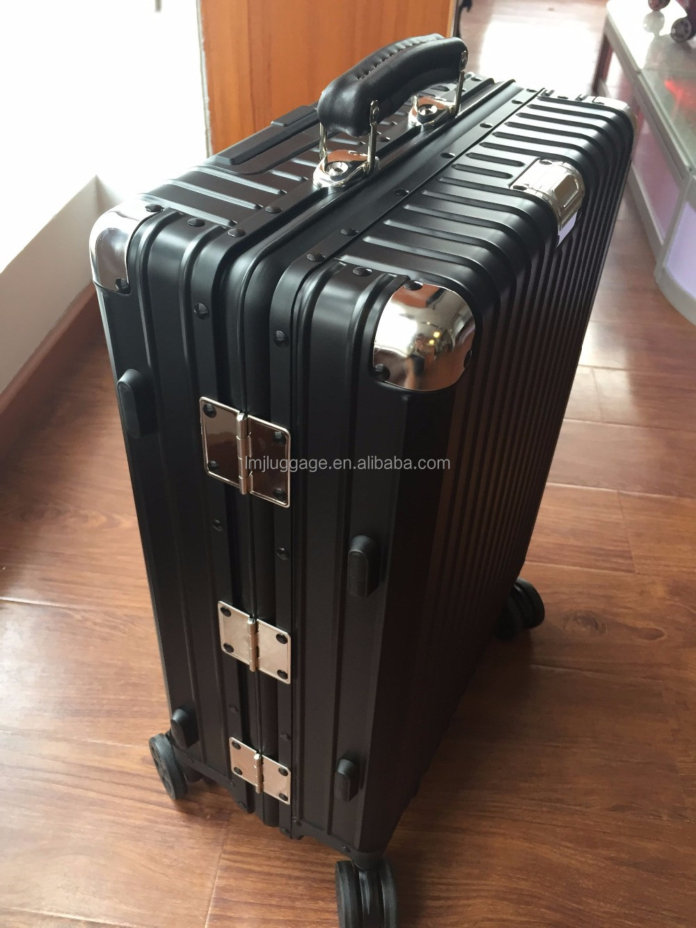 Vintage retro style aluminum alloy travel trolley suitcase luggage bags & cases