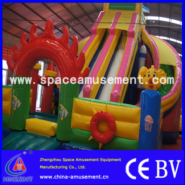 CE & ISO certificated amusement park ride Inflatable bouncy castle For Kids