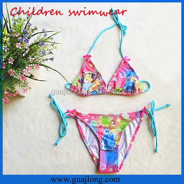 2016 new seller cartoon logo Non-toxic comfortable children bikini pictures