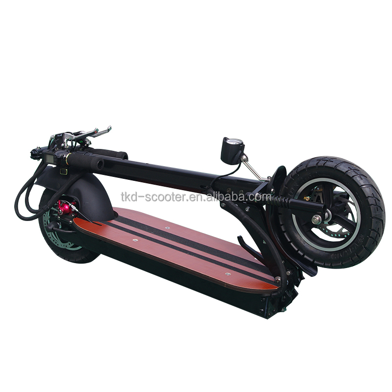 Strong power moter 50km per hour rechargeable battery powered scooter