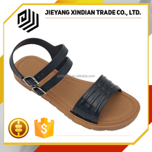 New Flat Ankle strap Beach 2017 fashion design ladies sandal shoes