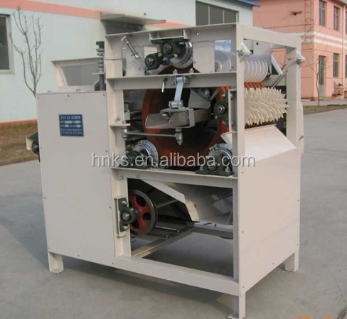 Automatic peanut peeling machine/dry peanut skin extract machine/peanut skin removing extract machine manufactuer