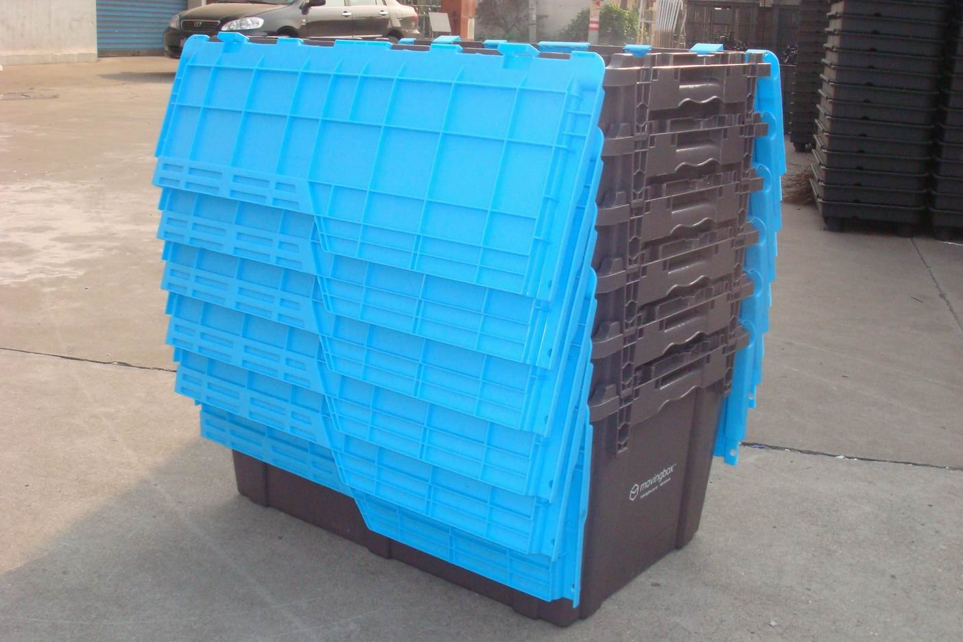 2018 Plastic stackable moving storage vegetable box sale