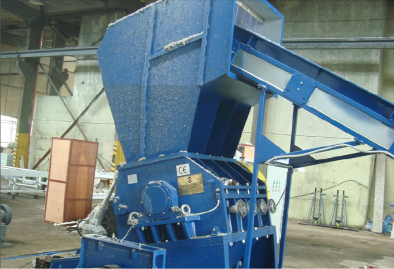 The granulator can process foil /film and hard plastic waste, including rubber pieces