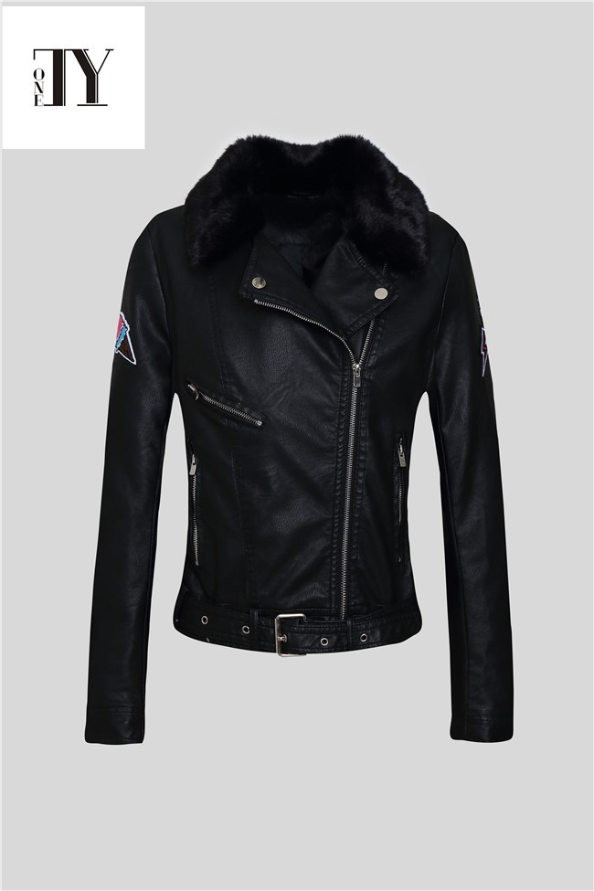 2016 OEM wholesale Leather-look fabric White Pepper Biker women leather pu jacket with Fur collar