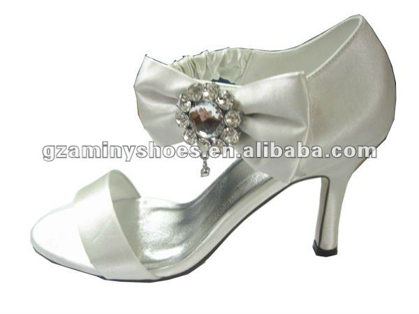Bridal low heel wedding shoes