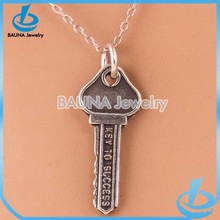 Fashion popular key to success pendant jewelry silver vintage key necklace