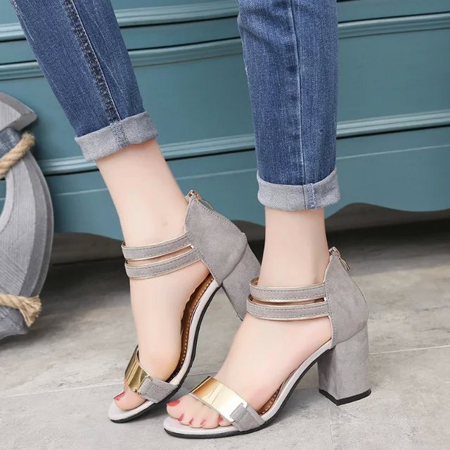 The European leg of the new summer star with a shoes with toe buckle <strong>sandals</strong> with coarse word Free shipping