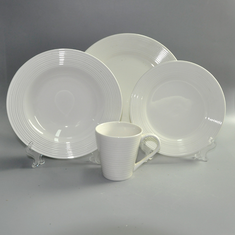 16pcs Round Shape Ceramic Material and Dinnerware Sets Dinnerware Type