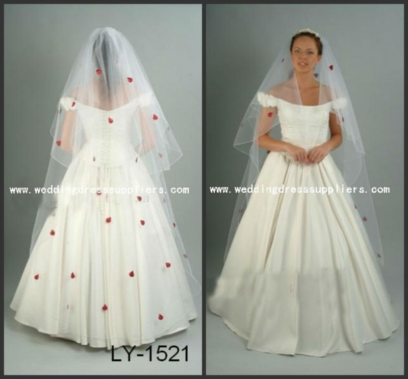 LY-1522 New Design Red Rose Petalage Decoration Long Tulle Wedding Veil