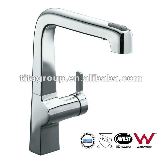 Polished Chrome Evoke Single-Control Pullout Kitchen Faucet
