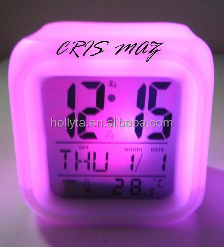7Colos Glowing Cube Plastic LED Clock