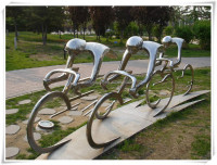 Modern Stainless Steel Bicycle Sculptures Olympic Garden Decoration