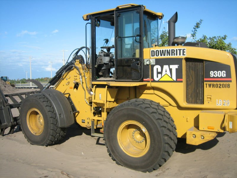 Used excavators, bulldozers, all kinds of earth moving machinery