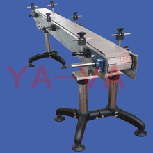 Flat top cleat chain conveyor for paper conveyor