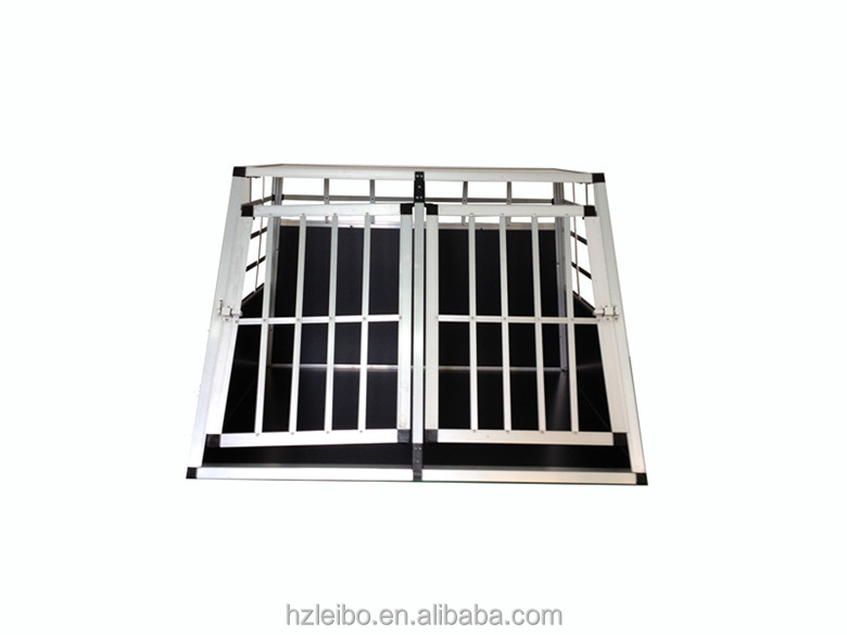 2015 fashion outlook double-door dog cage with separate board