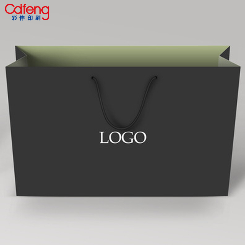 Christmas logo gold foil custom paper handbag kraft paper hand bag packaging paper bag by guangzhou haizhu caifeng factory