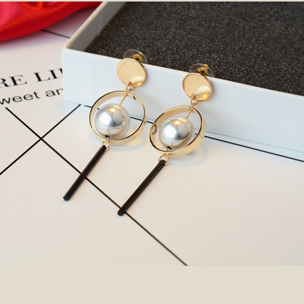2017 New arrival fashion earring wholesale latest design Pearl tassel pendant earrings pearl jewelry long earrings