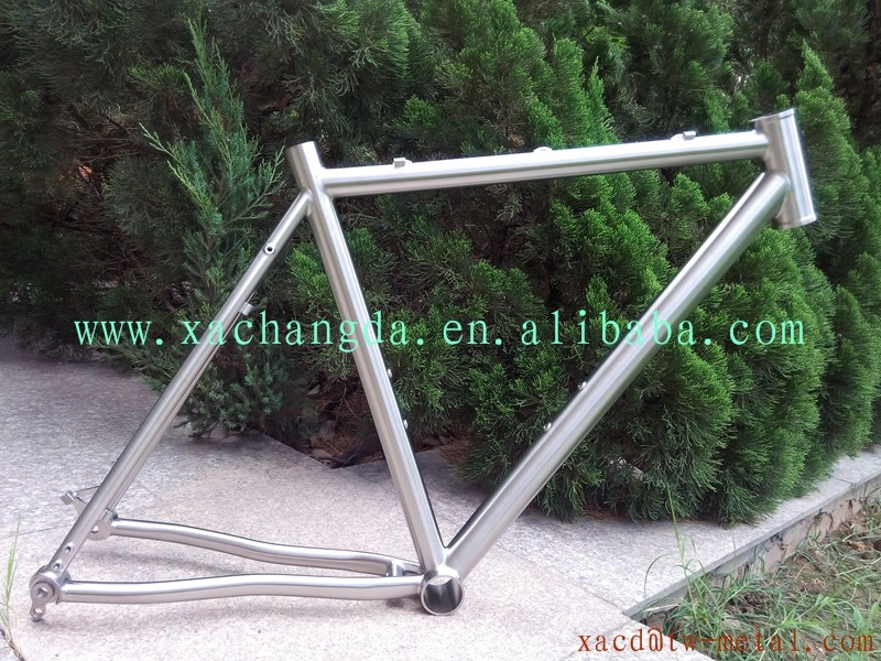 Ti bike frame with thru axle dropout Ti MTB bike frame with BB30 Shell Ti bike frame with belt drive system