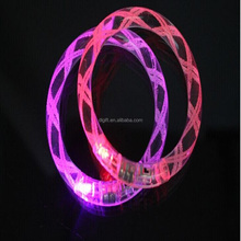 2015 new idea items Powerful and hot selling uminous bracelet with different colors led acrylic bracelet