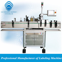 Automatic labeling machine for soft drinks bottles