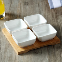 A set 4 pcs eco-friendly ceramic snack plate with bamboo tray