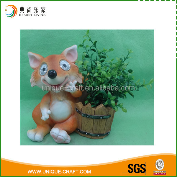 Solar light lovely polyresin fox figurines for garden decoration