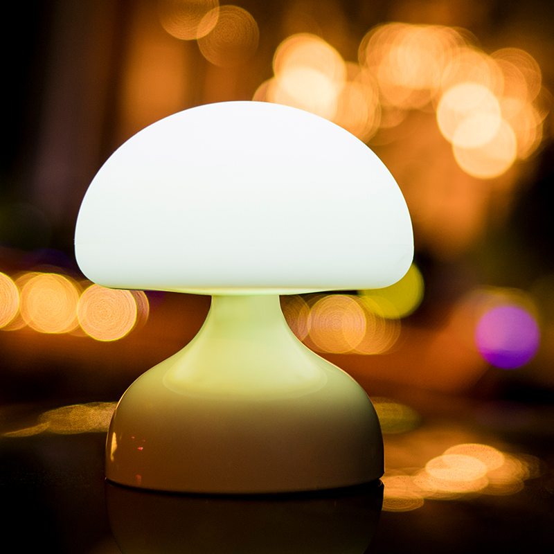 Silicone material mini portable mushroom design table lamp for kids