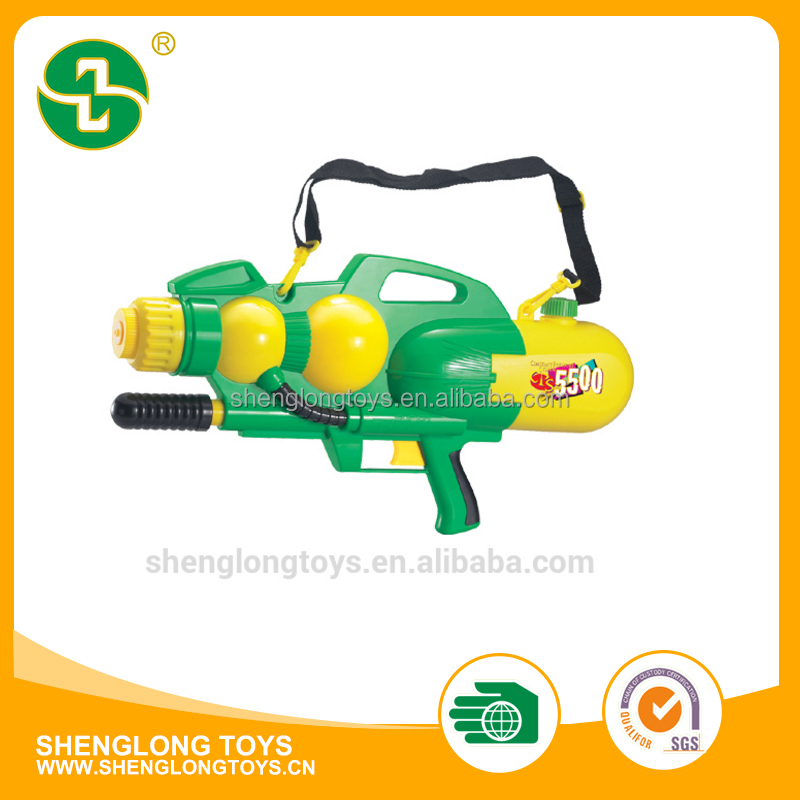 popular plastic pump water gun for children playing outdoor toys