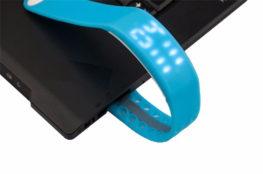 Sports Fitness Tracker W2 Smart Band Pedometer and Real-time Temperature