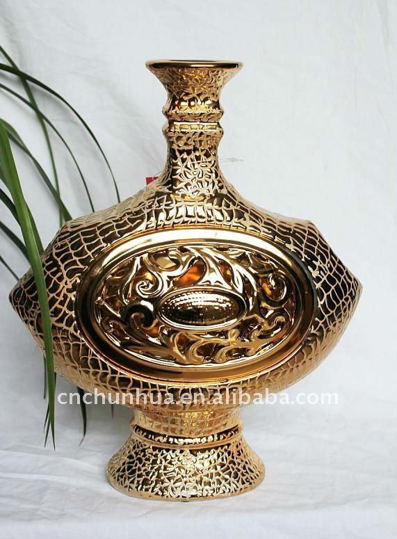 Hot selling gold ceramic crafts,antique porcelain, antique vase