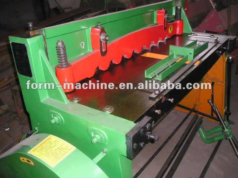 Motor drive metal shearing machine