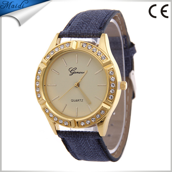Durable 2016 Fashion Leather Watch Women Luxury Diamond Leather Relogio Feminino Quartz Watch Women Watches GW091