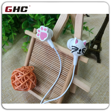 2D cat cartoon in earphone company