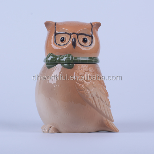 Creative ceramic animal food container with decorative owl shape