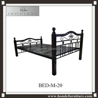 Metal Doulbe Bed Design Bedroom Furniture With Wood Legs Y