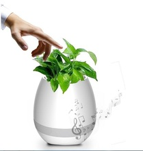 2017 fashion New Plastic flower pot Bluetooth speaker smart flower pot mini speaker music flower pot with bluetooth
