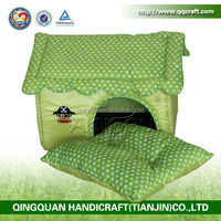 QQPET Christmas promotion wholesale cheap fabric dog houses /waterproof dog house