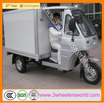 Made in China 200cc closed piaggio cargo tricycle three wheel motorcycle with back and side door for sale