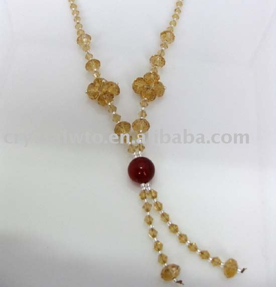 fashionable crystal beads necklace