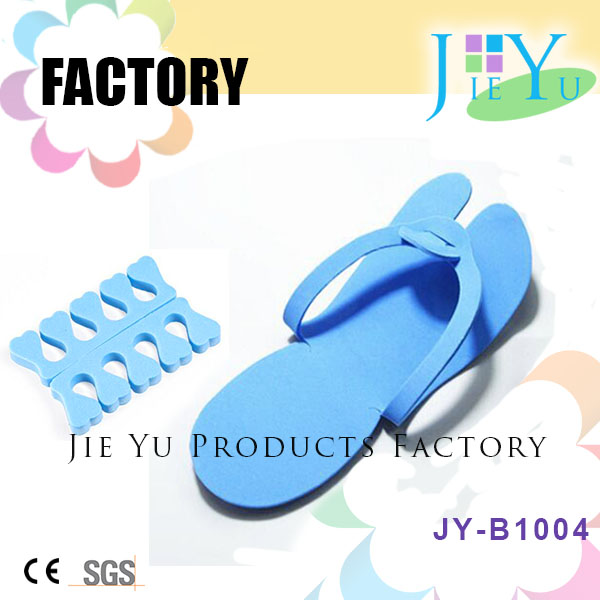 Disposable Customized EVA Slippers And Toe Nail Separator For Beauty