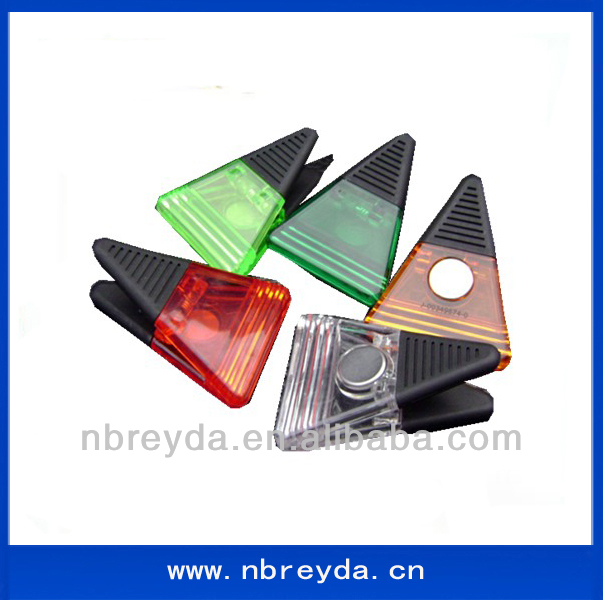Triangle Shape Plastic Paper Clamp Refrigerator Magnet <strong>Clip</strong> PS <strong>Clips</strong>