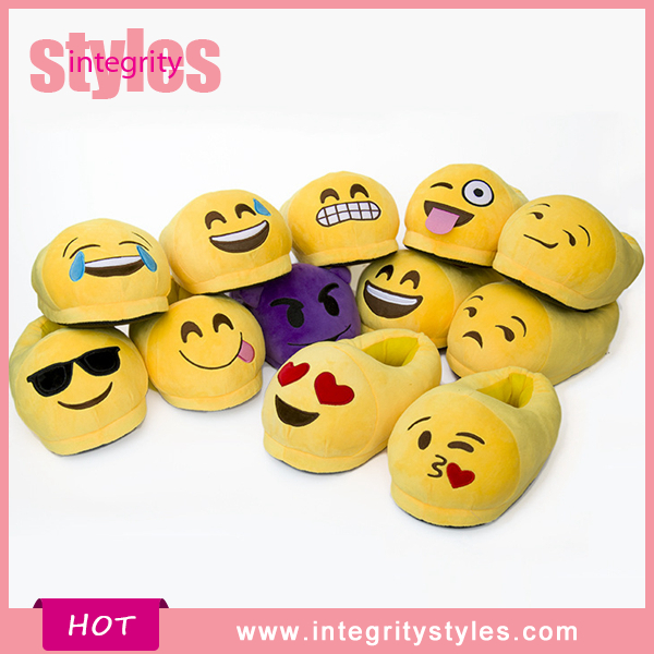 Hot Selling Design For Women And Men Cute Plush Emoji <strong>Slipper</strong>