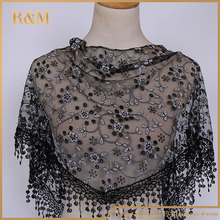New products 2016 triangle scarf with lace trim