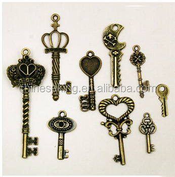 promotion brass metal alloy lucky charm hollow key lucky charm vintage customized lucky charm