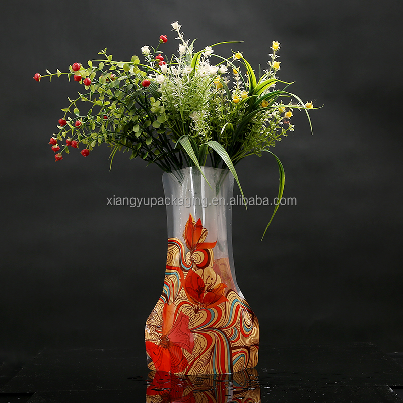 Wholesale fashion design cheap flower bag cube plastic vase
