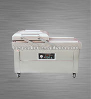 Meat vacuum packer with falt board