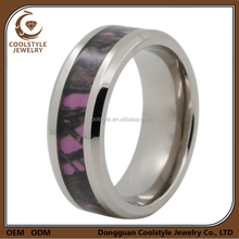 High quality inexpensive pink camouflage inlay titanium wedding ring