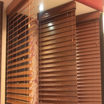 China Latest Window Designs Shutter Outdoor Wooden Blinds