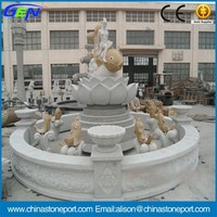 Round White Craving Water Fountain